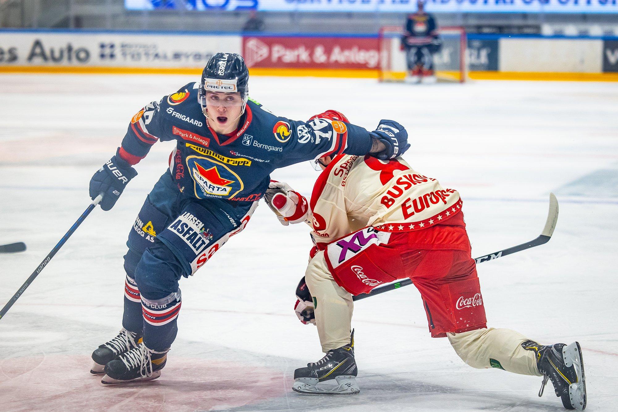 (+) Emil (20) fikk skryt etter debuten på A-landslaget