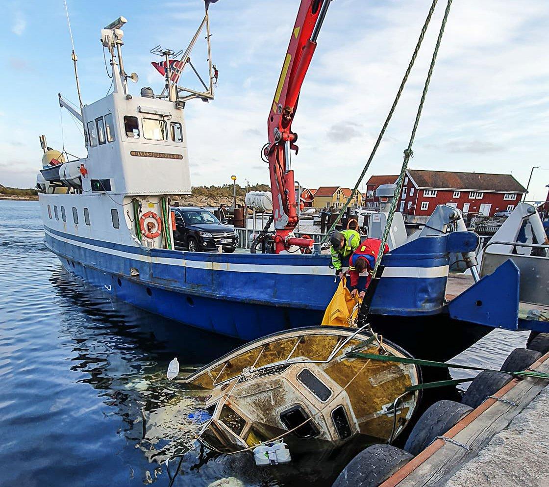 (+) – Det tok mer tid enn jeg trodde å få løs sjarken fra 46 meters dybde, sier Sten (53)