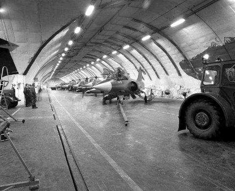 Anlegg 96: Fjellhallen sto ferdig i 1960 som Norges største. Anlegget ble til daglig brukt av 331 skvadron, fram til midten av 90-tallet.