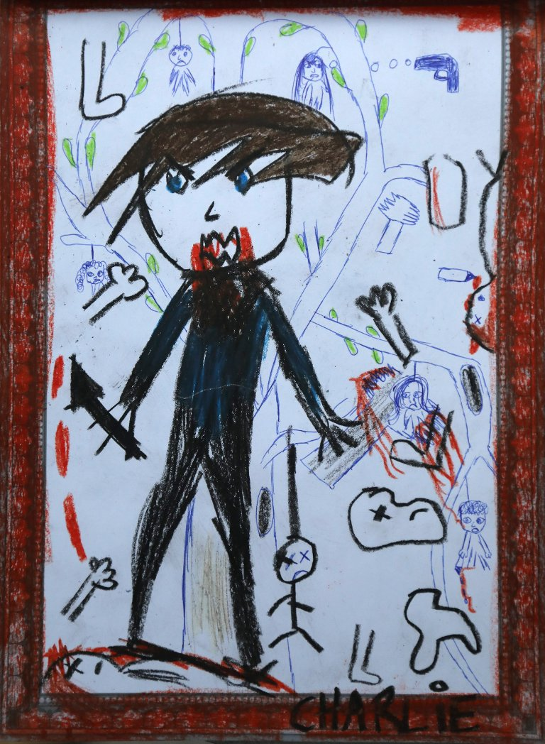 Charlie er en av stemmene Mia har i hodet. Her er hennes tegning.