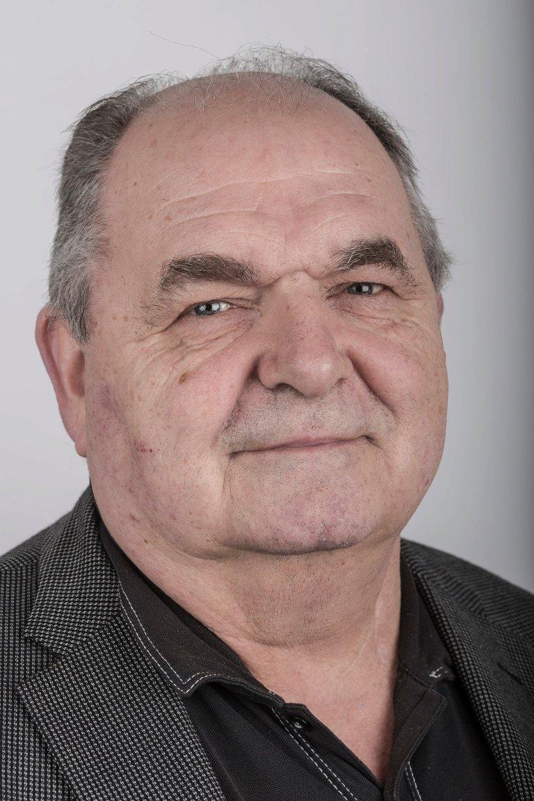 Knut Magnussen (64), Florø. Journalist.