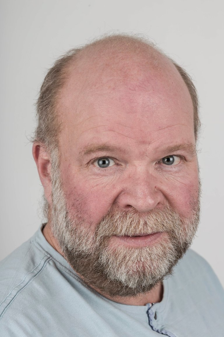 Ole Johannes Øvretveit (50), Sande i Gaular. Journalist.