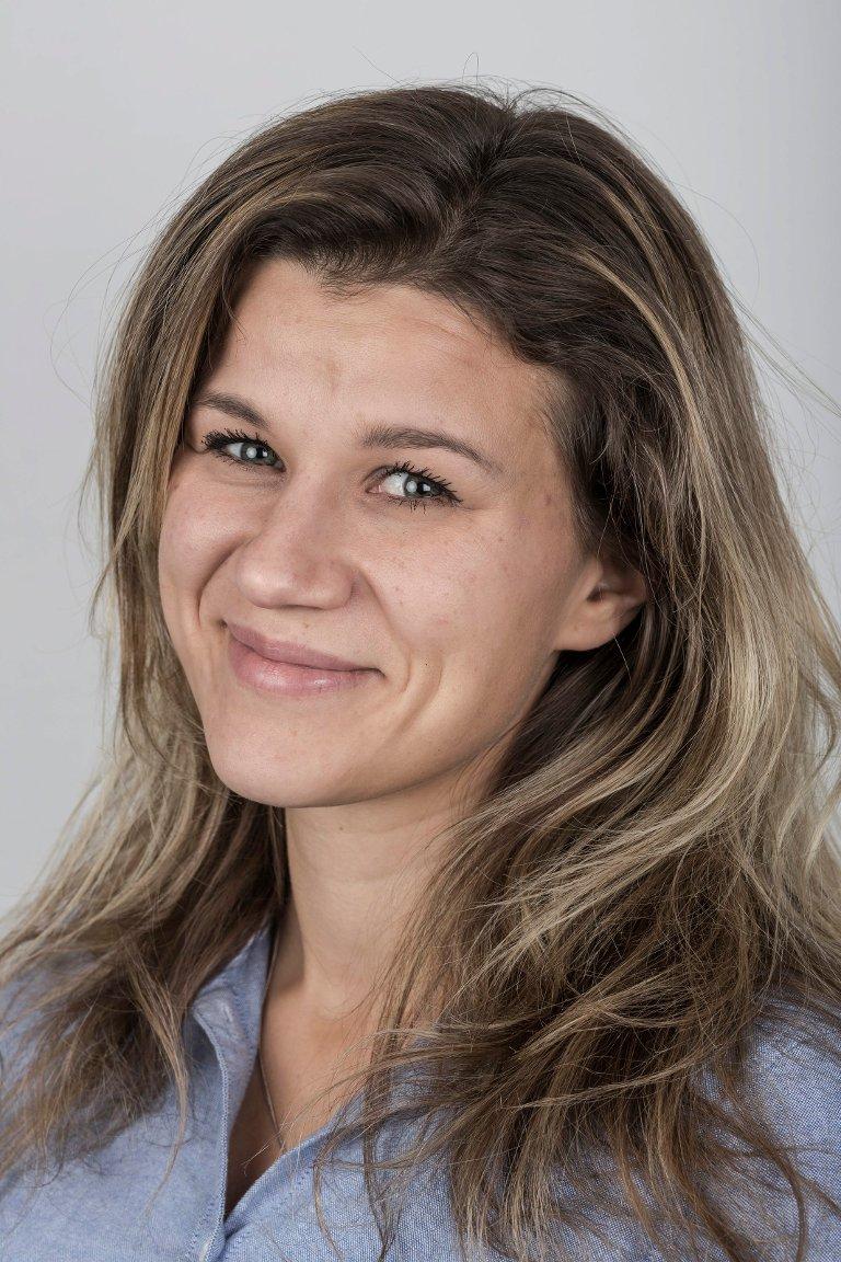 Astrid Iren Solheim Korsvoll (34), frå Solheim i Gloppen, bur i Førde. Journalist .