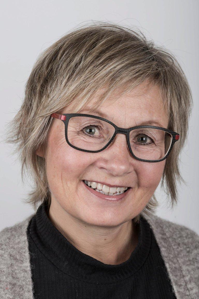 Sølvi Jørgensen (54), Førde. Medierådgjevar.