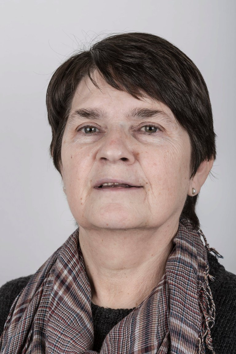 Oddbjørg Sætre (66), Førde. Pakkerimedarbeider.