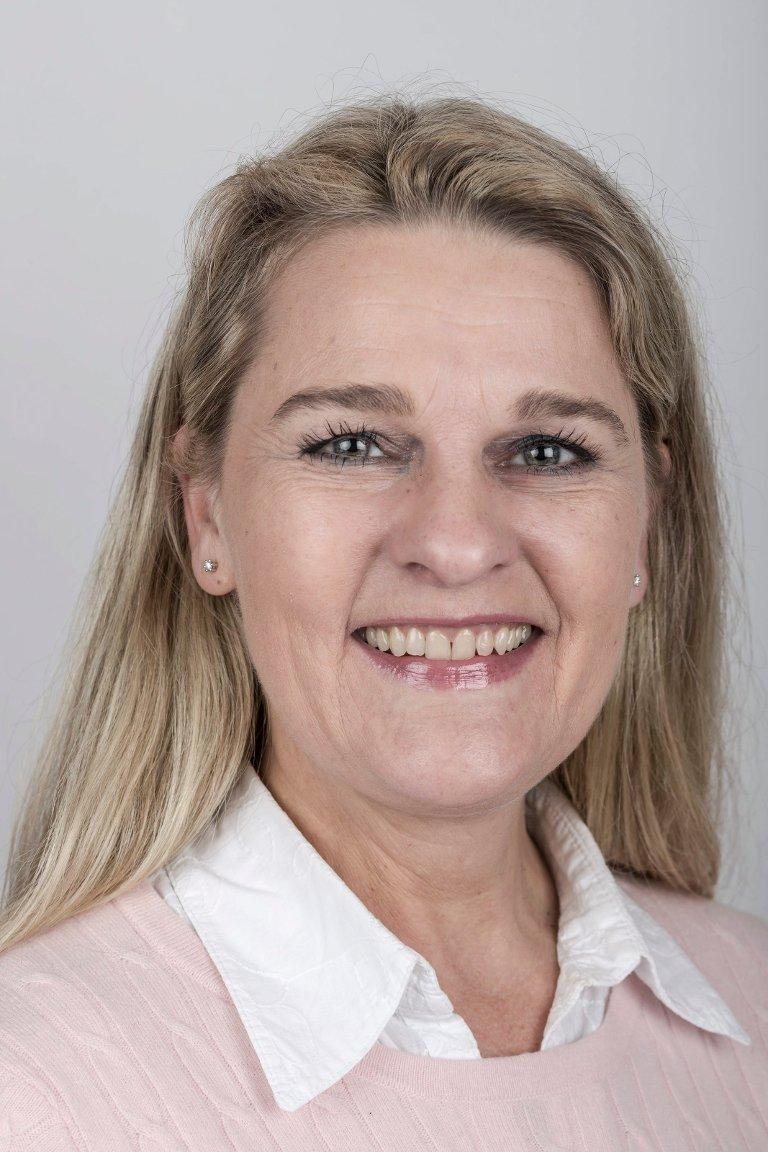 Hanne Lid (50), Eikefjord. Medierådgjevar.