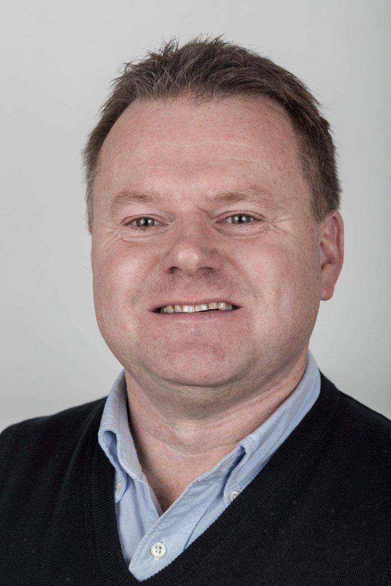 Geir Tonning (50), Førde. Kundekonsulent og mediegrafikar.