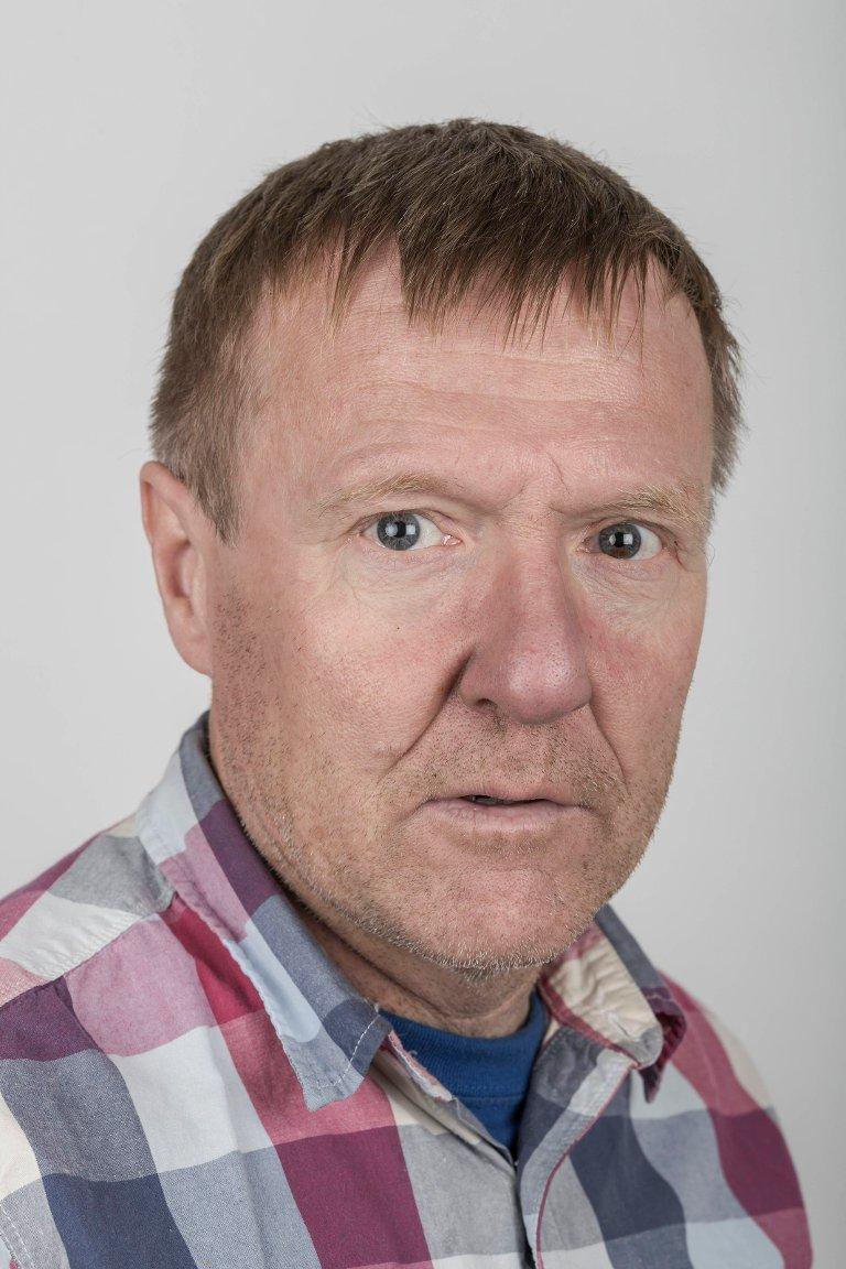 Kjell Arne Hjellbrekke (57), Førde. Trykkar.