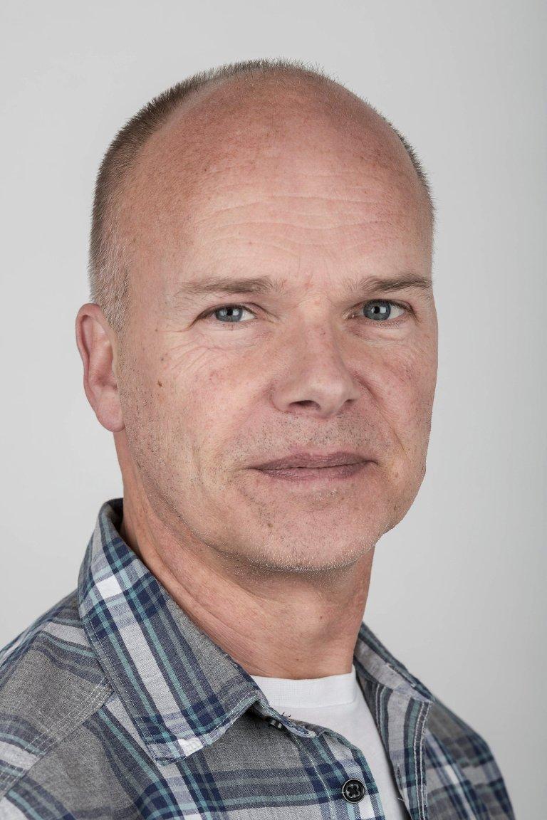 Bjarte Nordeide (59), Førde. Kundekonsulent og mediegrafikar.