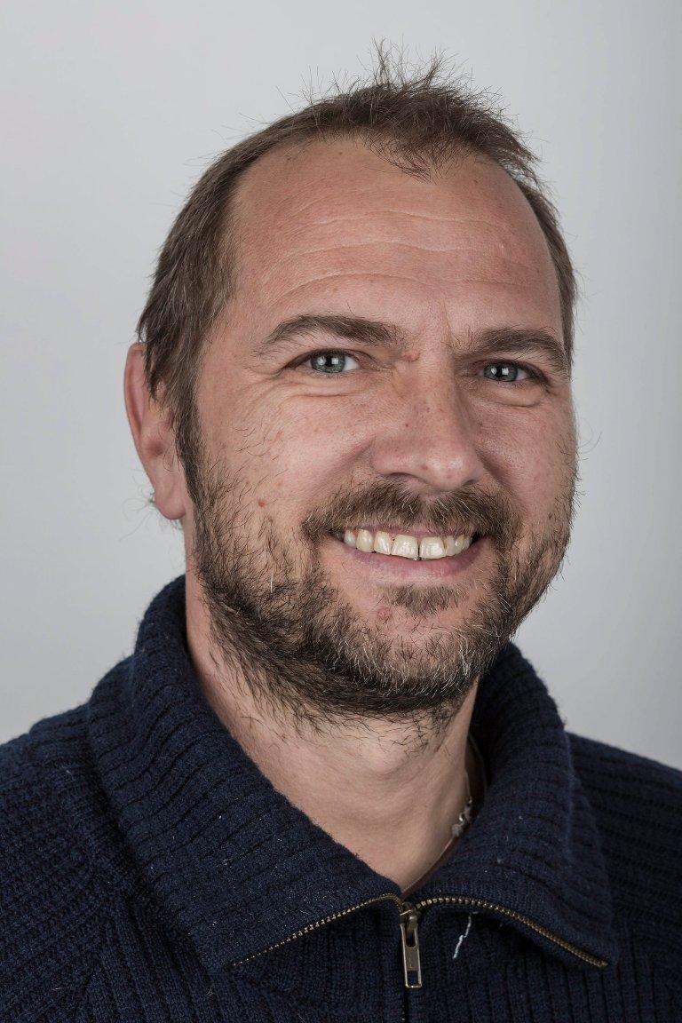 Frode Nordeide (48), Førde. Dataansvarleg og ass. leiar Sogn og Fjordane Avistrykk.