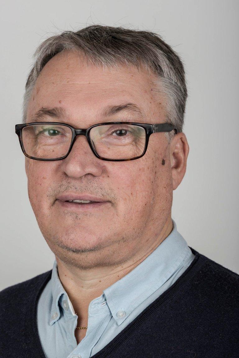Odd Rune Førsund (57), Høyanger. Salssjef Amedia Vest.