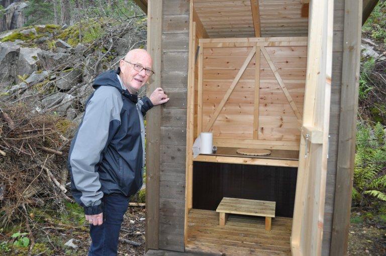 ALLE BEHOV: Før åpningen lørdag har man også tenkt på dem som får spesielle behov. - Tømmingen skal Skjærgårdstjenesten ta seg av, sier Eivind Løvås.