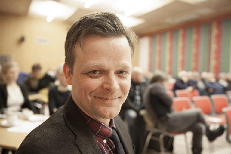 Skal bekrefte, ikke mene: Prosjektleder Robert Isaksen hos Fylkesmannen i Nordland forteller at de der kommer til å bekrefte at Hamarøy er i pengenød, og så er det opp til departementet å mene noe om dette.