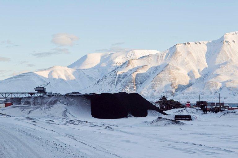 SVALBARD: Dette er en type landskap som Busch Arntsen skal stifte nærmere bekjentskap med.Foto: Berit Roald / Scanpix