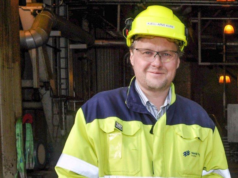 POSITIV: Fabrikkdirektør Kjell-Arve Kure er positiv til OL, så lenge folk gjør jobben sin.
