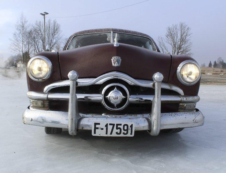 MANGE VARIANTER: Foruten 4-dørs sedan (Fordor) ble Ford også levert som 2-dørs sedan (Tudor), 2-dørs coupe (Club Coupe), 2-dørs hardtop (Victoria), stasjonsvogn (Country Squire) og 2-dørs convertible.