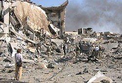 Bomben la FN-hovedkvarteret i Bagdad i ruiner.
