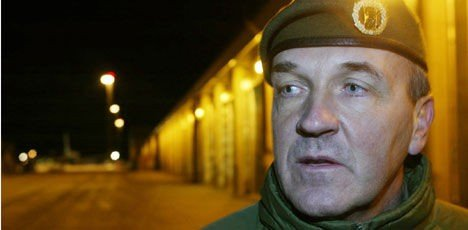 Generalmajor Leif Sverre Rosén alarmerte om legemangel i Afghanistan, og måtte senere signere fra seg jobben i en avtale med forsvaret. Bildet er fra 2004.