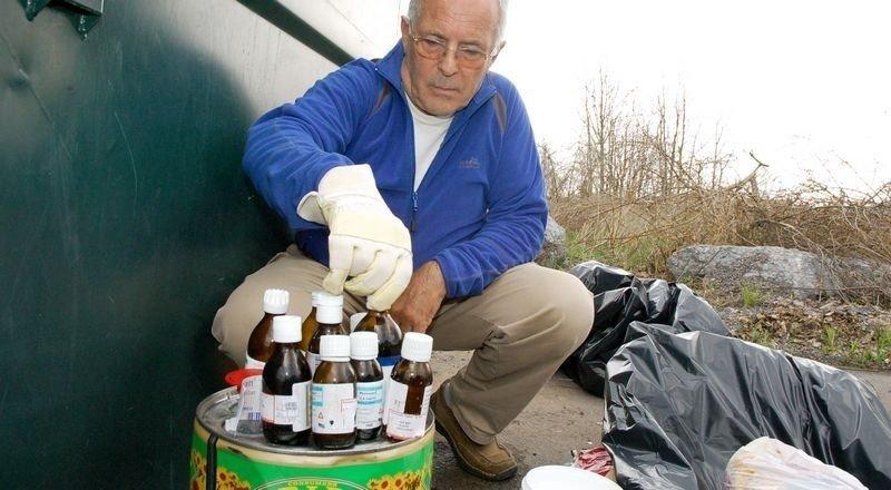 Egil Fossum fant medisiner på tomta til Linderud boligsameie 3.