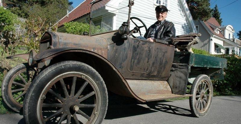 Michael Falch her klar til avgang i T-Forden Katy fra 1919.