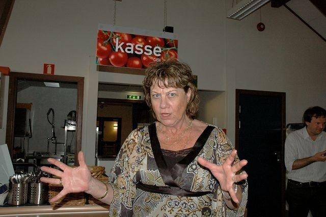 Bydelsdirektør Mona Taasen er svært bekymret for den økonomiske situasjonen i bydelen, men lover at alle eldre som trenger det skal få hjelpen de har krav på. Foto: Karl Andreas Kjelstrup