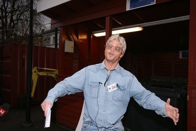 Oslolosen, alias Harald Eia, skal nå få oslofolk til kildesortere mer.