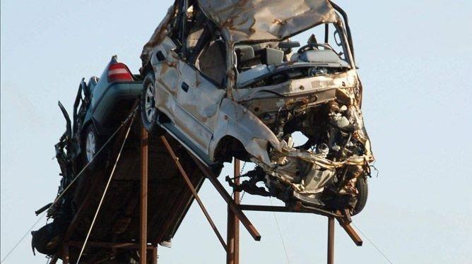 Med dramatiske virkemidler skal islendingene få ned antall ulykker på veiene.