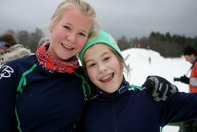 Blide: Det ble ingen topplasseringer, men Pernille Thorsen (t.v.) og Kaia Urdahl koste seg likevel.