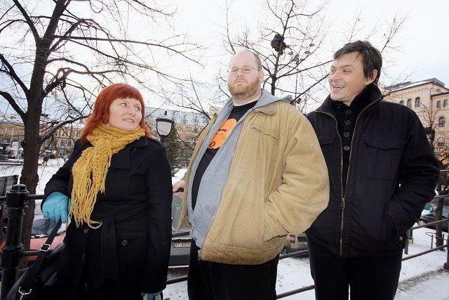 Anita Overelv og Ivar Mykland fra Nisjelandet ble tidlig overbevist om at Christian Blandhoel (midten) skulle få vise seg fram under by:Larm. FOTO: MAREN THORSEN BLESKESTAD