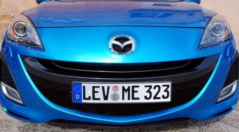 SMIL: Ingen bilmerker gliser mer til kundene i 2009 enn Mazda. Bare se på Mazda3.