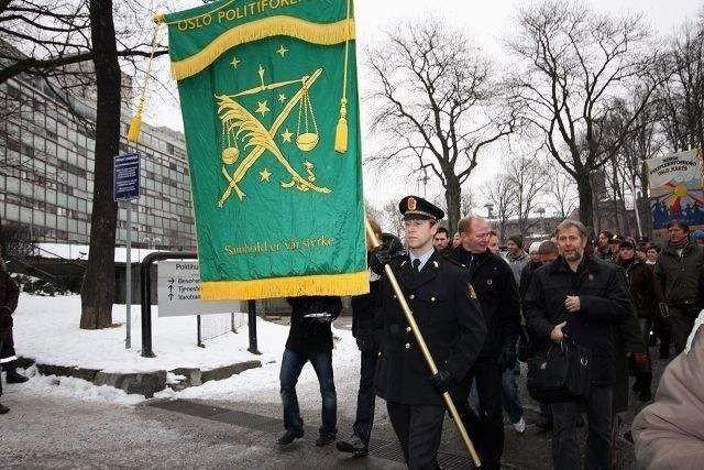 Arne Johannessen gikk først i protestmarsjen fra Politihuset på Grønland til justisminister Knut Storbergets kontor. FOTO: MAREN THORSEN BLESKESTAD