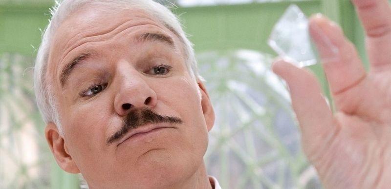 "Steve Martin viderefører Sellers-arven som inspektør Jaques Closeau i ""Den rosa panteren 2"", klar for norske kinoer 13. februar. (Foto: Filmweb)"