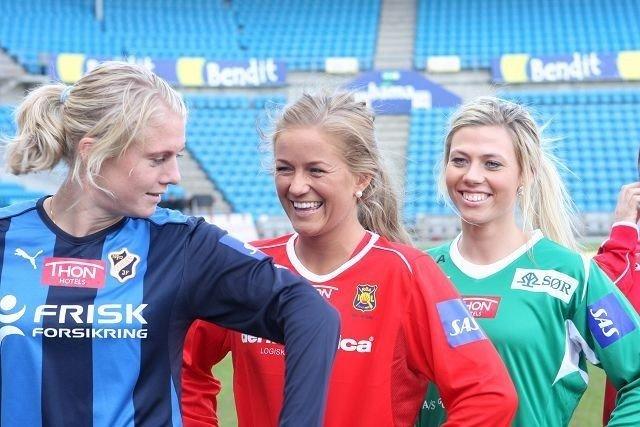 Stabæks Solveig Gulbrandsen og Røas Lene Mykjåland på dagens Kick-off for Toppserien.