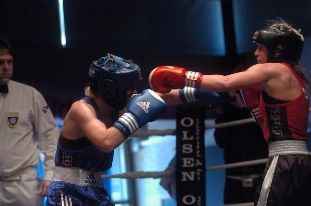 Kongepokalvinneren: Ingrid Egner gikk til topps i 60-kilosklassen mot Ann Kristin Foss og vant kongepokalen for tredje år på rad. FOTO: HARALD STENSDAL