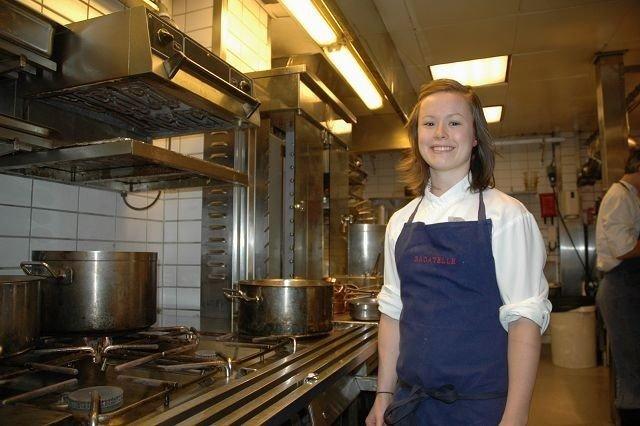 TRIVES PÅ KJØKKENET: Karla Siverts håper å gå helt til topps i VM i Canada. Foto: Andreas Lindbæk