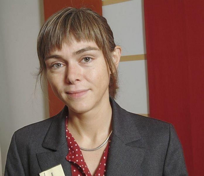 Mia Lövheim har sett nærmere på de unge jentebloggernes univers.