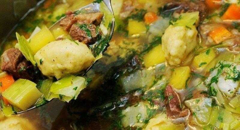 VARM LYKKE: En kraftig, varm suppe gjør vinteren enda bedre.