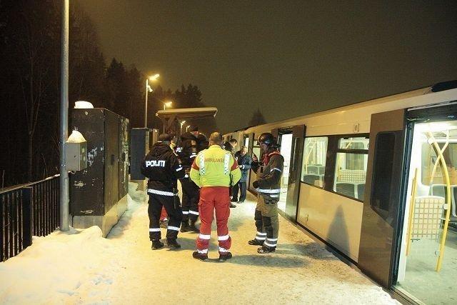 Det oppsto brann i t-banevogn på Holmen stasjon tirsdag. Dette og et liknende branntilløp i helgen, skal nå undersøkes av Oslo t-banedrift.