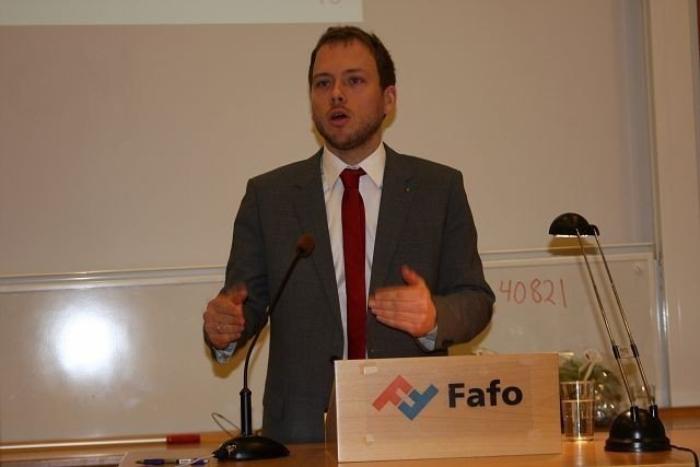 Audun Lysbakken forsikret om at stat og kommune skal samarbeide for å motvirke fattigdommen i Oslo indre øst.
