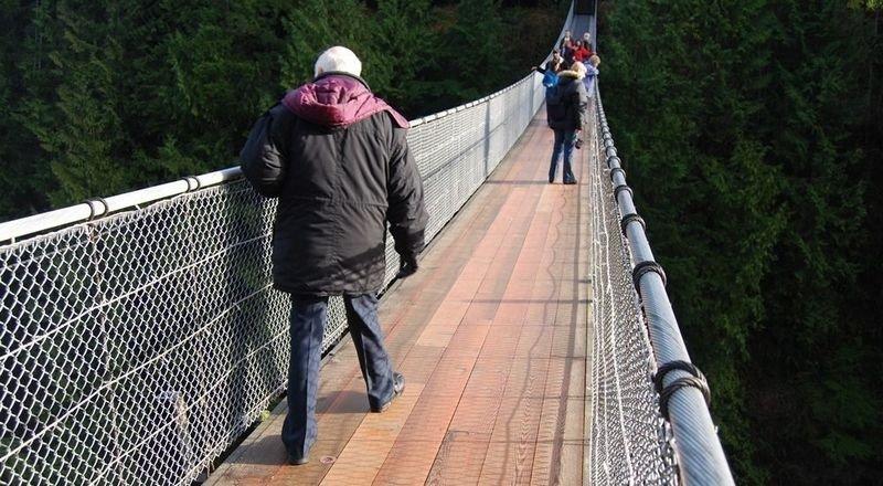 SPEKTAKULÆR BRU: I Vancouver ligger friluftsopplevelsene, som Capilano Suspension Bridge, kort vei fra det yrende bysentrumet.