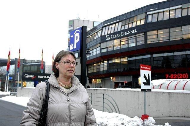 Vibeke Gottschalk fra Tåsen velger heller bort handelen på Ullevaal på grunn av rotete forhold og betalingsparkering. Foto: Karl Andreas Kjelstrup