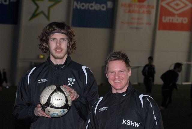 Arnar Førsund (t.v.) er glad for å være på plass hos Kjell Sverre Hansen Wold i Manglerud Star.