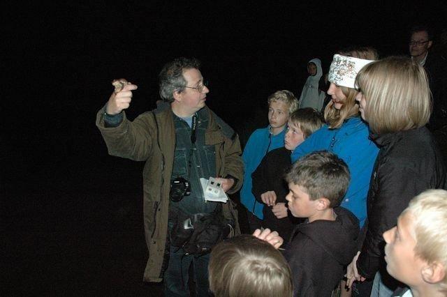 Spenningssøkende barn oppsøkte skogen for å se hvem som våknet til liv ved midnattstider. Foto: Anders Jørstad