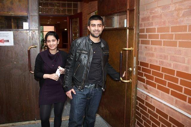 Litt før klokken 11 idag kunne Fozia og Abbas Butt åpne kirkedøren på Holmlia og gå ut i friheten.
