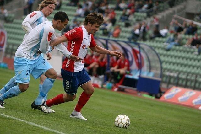 Klubbløs: Gøran van den Bugt (høyre) og de andre Lyn-spillerne står uten klubb etter at Lyn slo seg selv konkurs tidligere i dag.