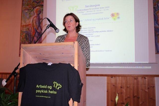 Arbeidsminister Hanne Bjurstrøm (Ap) holdt en kort, men meget engasjerende tale om arbeid og psykisk helse under åpningen av verdensdagen for psykisk helse i Nordstrand menighetshus torsdag kveld. KLIKK PÅ BILDET FOR Å SE NESTE BILDE