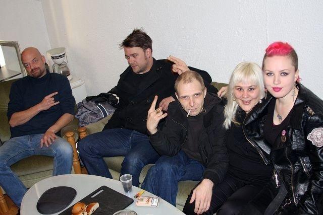 Viktor Jæger, studiosjef, Thomas Leer i The Midnight Boogaloo, Stig Riesto, Johanna Nes Thorbjørnsen og Catharina Husveg i Prikkedød inviterer til ordentlig trøkk på Verkstedet lørdag.
