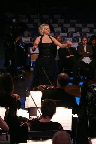 Hilde Louise Asbjørnsen vant konkurransen Maestro på NRK.