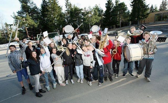 klare for konsert: Denne gjengen vil gi deg en forrykende konsertopplevelse på søndag! foto: Utlånt