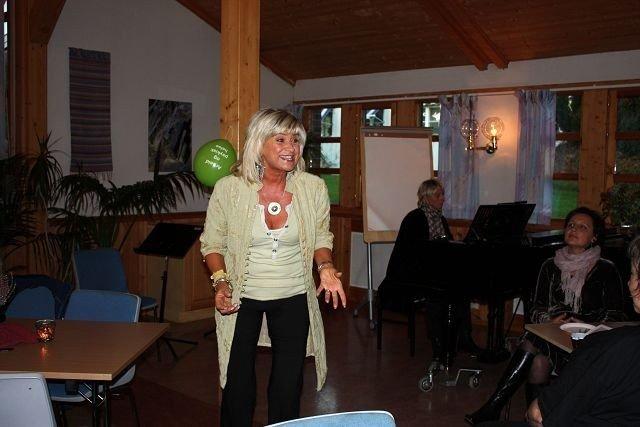 Kari Gjærum i storslag fra en lokal konsert i fjor.